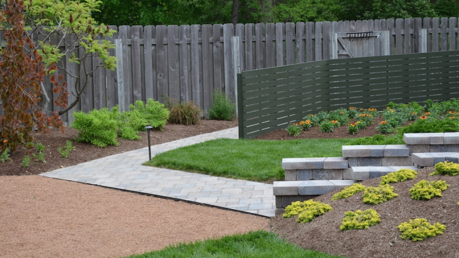 Why hire a landscaping company omaha landscaping for Landscaping rocks jacksonville