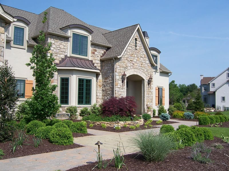 Landscaped Home | Why Choose Arbor Hills Landscaping?