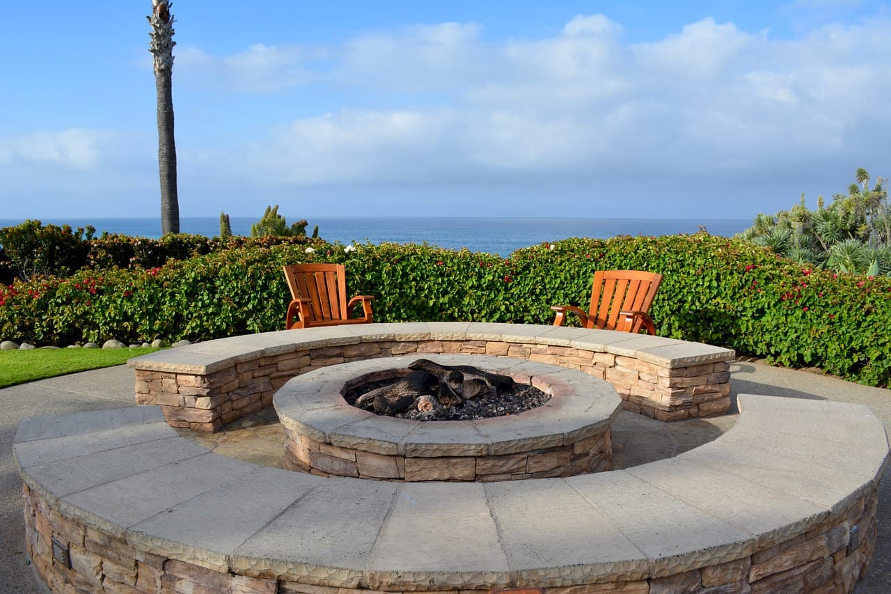 Stay Warm This Winter with a Fire Pit